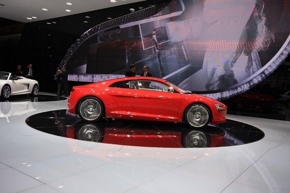 Audi, e-tron