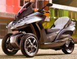 Гибридный скутер Peugeot HYbrid 3 Evolution