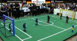 Первый чемпионат по футболу среди роботов