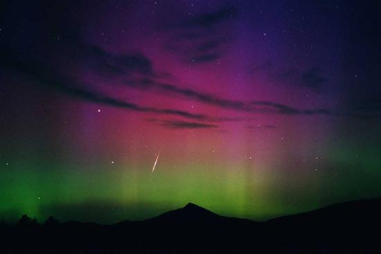 Звездное небо над головой полярное