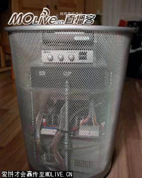 Компьютер в мусорной корзине (моддинг)