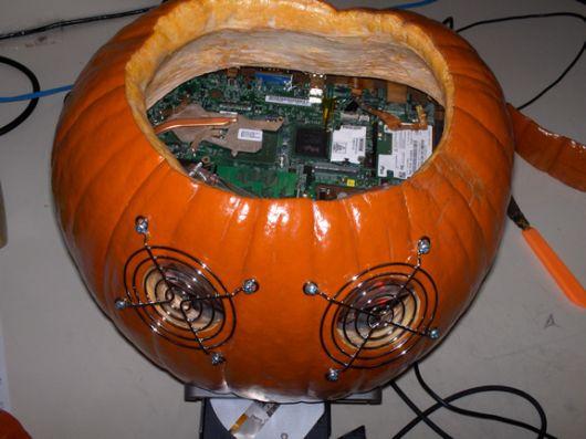 Компьютер-тыква моддинг к Хеллоуину