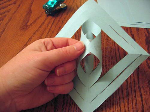 Как сделать из бумаги чтонибуть без клея