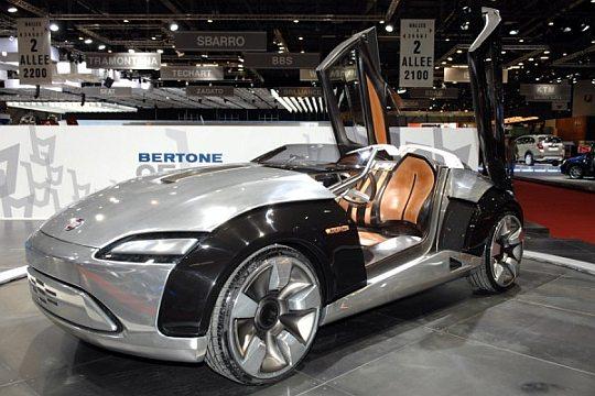 BERTONE-CONCEPT CAR