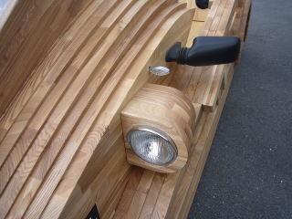 Деревянный автомобиль из Японии
