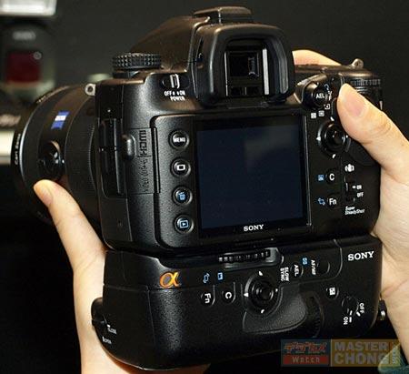 ������ Sony Alpha DSLR-A900 � 24,6-�� �� ������ �����