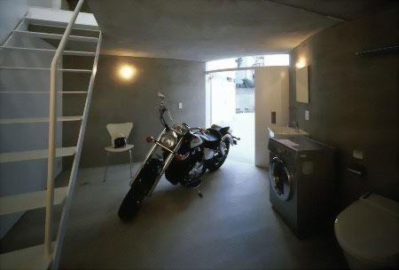 Жилой дом для любителей мотоциклов