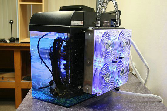 Puget Systems, Компьютер в аквариуме
