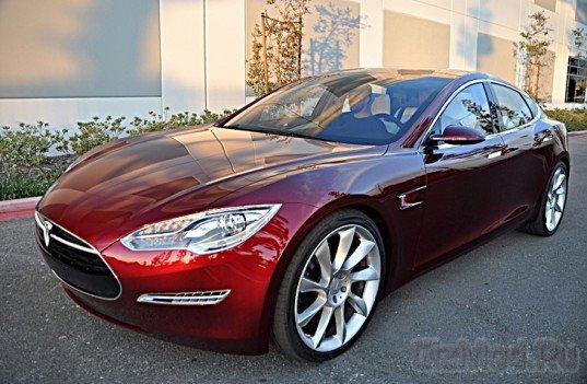 Tesla предложит покупателям Model S сменные батареи