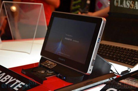 ���������� Gigabyte S1080 � ���������� USB 3.0