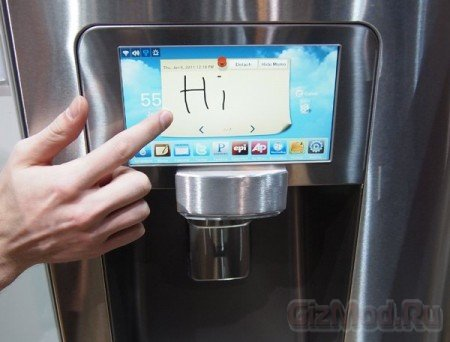 Холодильник Samsung с LCD-дисплеем