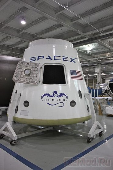 ������� ������ SpaceX ����������� � ��� � ���� ����