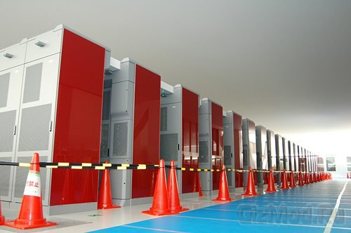 Мощенейший суперкомпьютер переплюнул 10 петафлопс