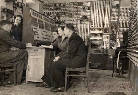Малой электронной счетной машине стукнуло 60