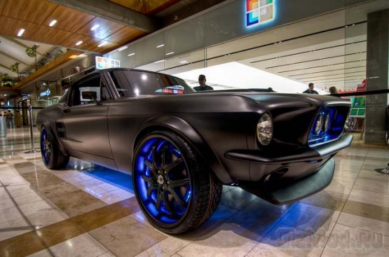 Ford Mustang � �������� �� Microsoft