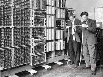 60-летний компьютер вернули в строй