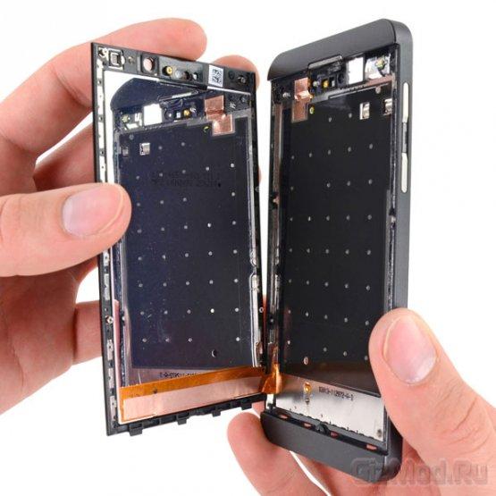 """iFixit """"�����������"""" BlackBerry Z10"""