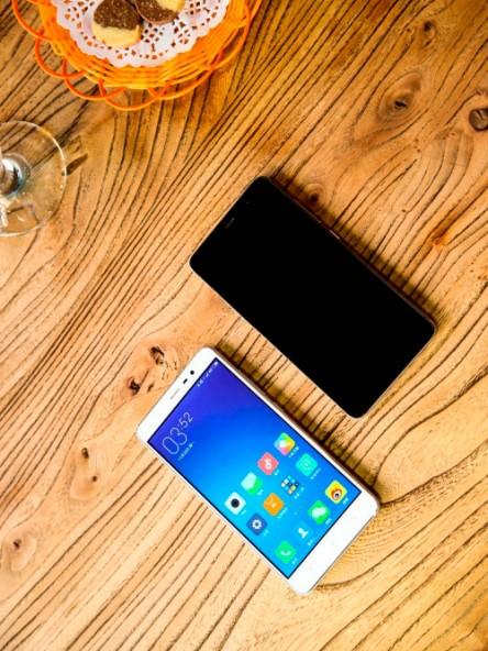 Смартфон Xiaomi Redmi Note 3 с дактилоскопическим сканером