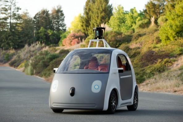 Обычные авто уступают по безопасности робомобилям Google