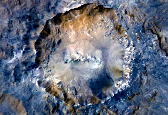 Новое фото с карликовой планеты Церера