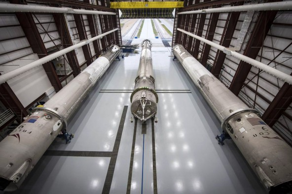 SpaceX �������� ���� �����