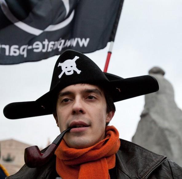 Правообладатели могут оставить пиратские и иностранные сайты без гроша.