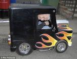 Британец создал самую маленькую в мире машину