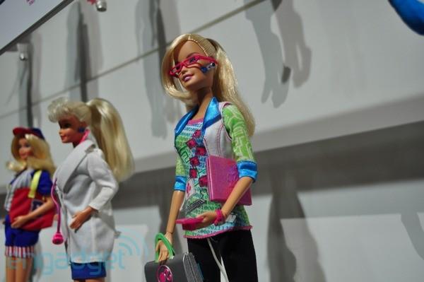 Барби стала программисткой