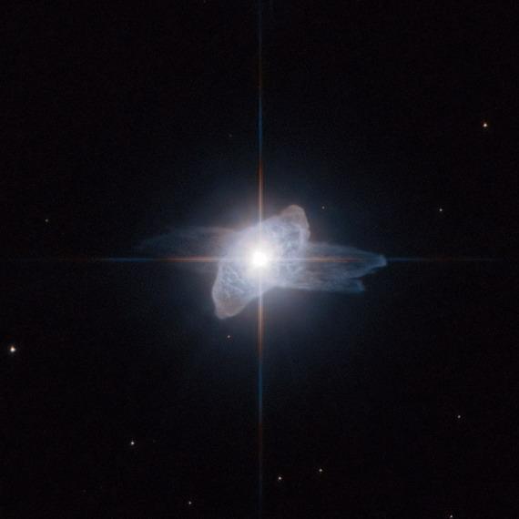 NGC 6210, Звезда