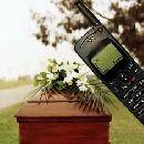 В могилу с мобильным телефоном