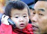 Старый мобильник – лучшая игрушка для детей