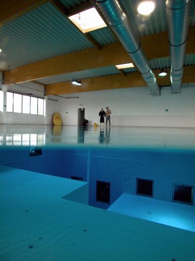 Самый губокий бассейн в мире