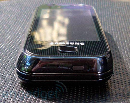 Samsung F700 – живые фото и первые впечатления