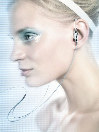 Philips + Сваровски выпускают стильную «флэшку»