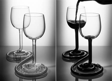 «Парные бокалы» - не дадут напиться в одиночку :)