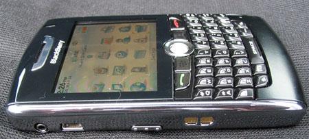 Первые «живые» фото BlackBerry 8820