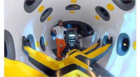Marc Newson со своим Astrium Space Jet