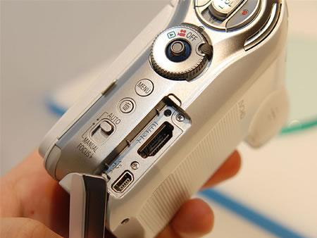 Panasonic HDC-SD7 меньше всех