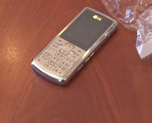 Не покупайте мобильные телефоны с рук!