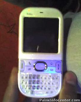 Новый смартфон Palm показали журналистам
