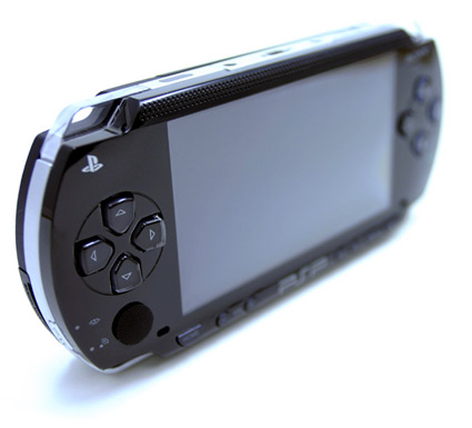 Похудевшая PlayStation Portable в России