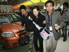 Китаянка «высосала» себе Chevrolet Aveo