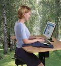 Сидеть с прямой спиной на работе вредно