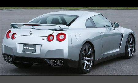 Официальные фото Nissan GT-R