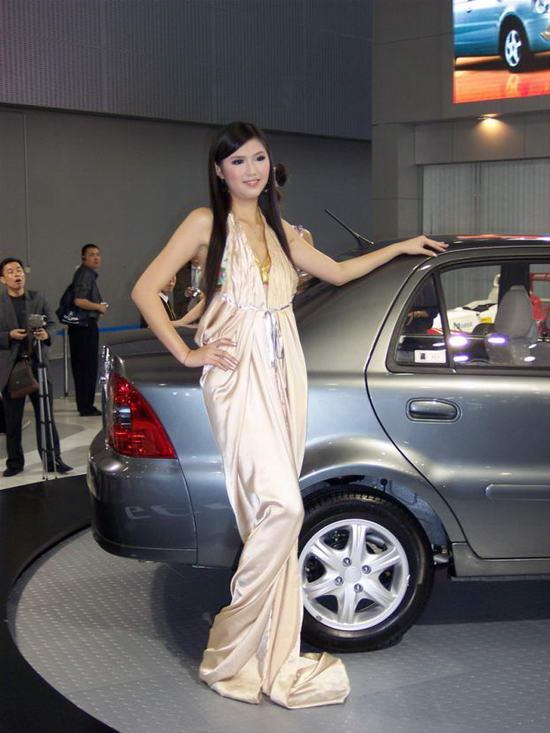 Девушки и автомобили