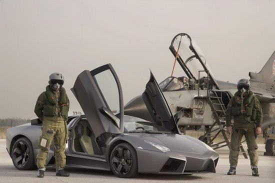 Lamborghini Reventon против истребителя Tornado