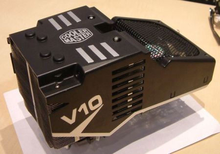 CoolerMaster: два гигантских кулера для CPU