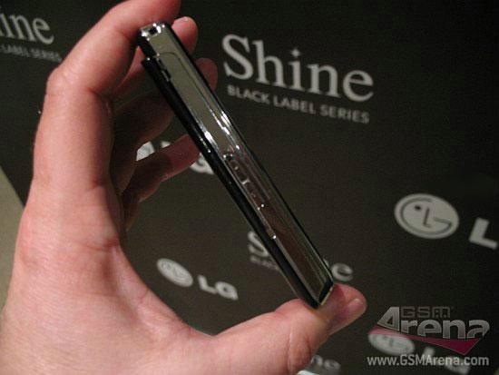 LG KF510 – новый ультратонкий стильный слайдер