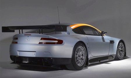 Первые фото Aston Martin Vantage GT2
