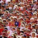Население Земли вскоре превысит десять шестерок